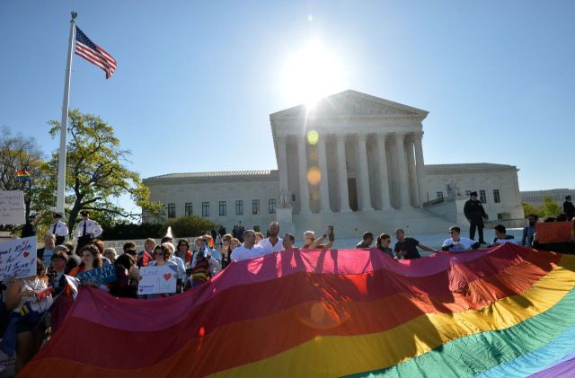 US-COURT-RIGHTS-GAY MARRIAGE